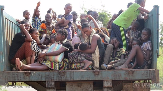 Refugiados congoleños llegan a Angola