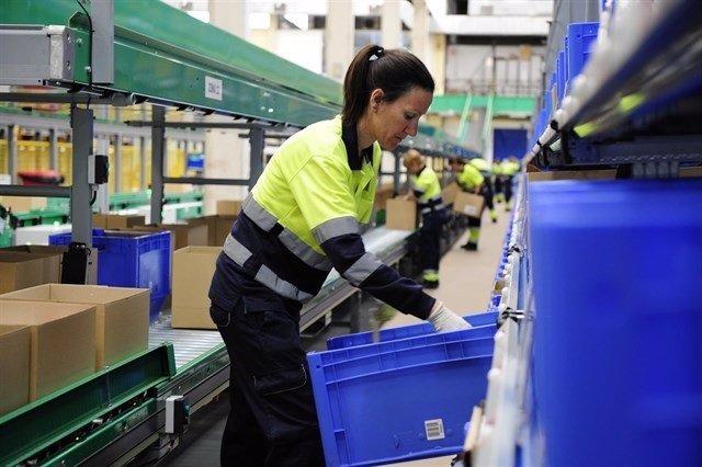 Trabajadora, mujer trabajadora, brecha salarial