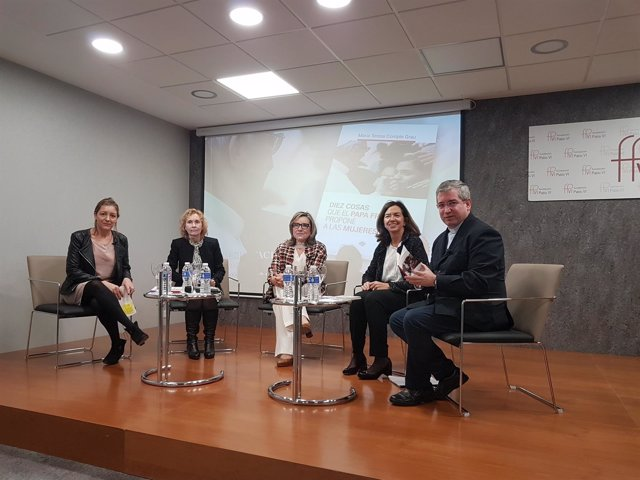 Natalia Peiró, Mirian Cortés, Teresa Compte, Clara Pardo y Fernando Prado