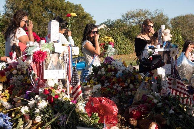 Estudiantes y padres de las víctimas en el instituto Marjory Stoneman Dougla