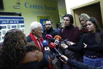 8M.- Mensajeros de la Paz se suma a las movilizaciones con un panel homenaje a la mujer en San Antón, en Madrid
