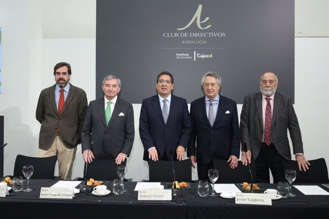 Desayuno coloquio del Club de Directivos de Andalucía con Javier Vega de Seoane
