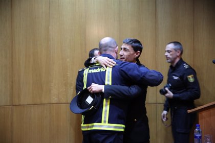 Bomberos de Madrid entregarán una distinción a 10 Policías y al Samur por salvar la vida a su sargento en Vallecas