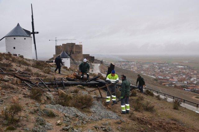 Daños causados en los molinos en Consuegra, Toledo