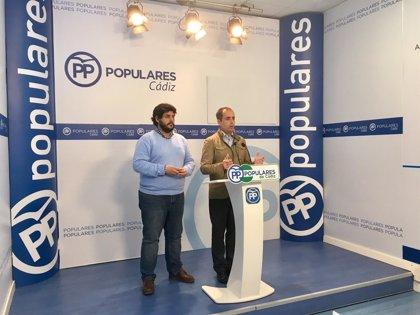 """PP advierte de la """"brecha salarial"""" en Cádiz de profesores y médicos con la media nacional y pide a la Junta que actúe"""