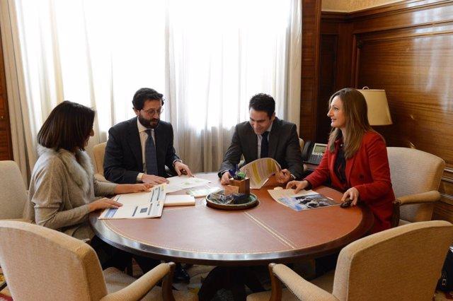 Teodoro García Con el Subsecretario  de Agricultura del Ministerio