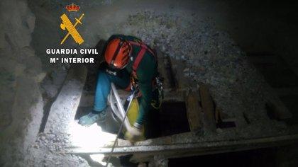 Auxiliado un hombre tras precipitarse 40 metros por una mina en la zona de búsqueda de Gabriel