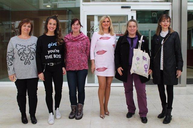 Mujeres del Consell de Ibiza se suman a la huelga