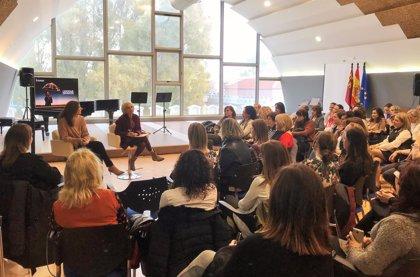Las mujeres ocupan el 55% de los cargos directivos de los centros educativos de la Región