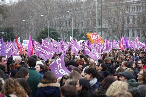 Mujeres se concentran en Cibeles (Madrid) por el Día Internacional de la Mujer