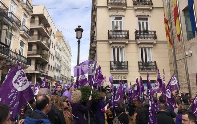 Piquete informativo de UGT PV y CCOO PV en València