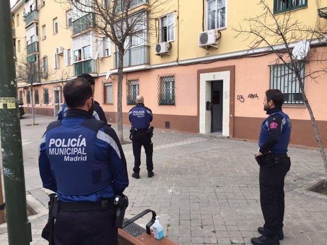 Agentes de Policía Municipal tras una reyerta en Carabanchel
