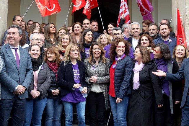 Concentración convocada por los sindicatos por el Día de la Mujer