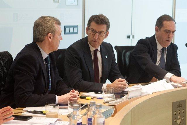 Feijóo, Rueda y Valeriano Martínez en el Consello de la Xunta