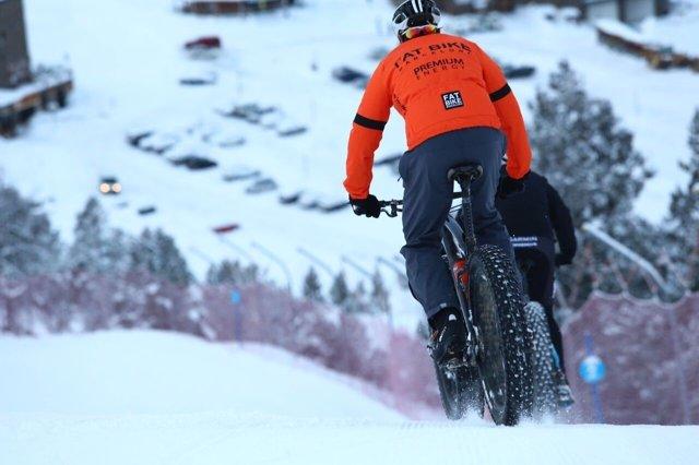 Una prueba de Snowbike
