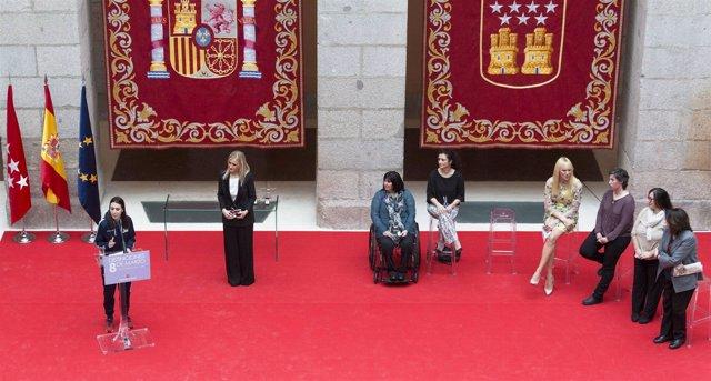 """Nota Y Fotos: Cifuentes: """"No Queremos Nada Regalado Por Ser Mujeres, Pero Tampoc"""
