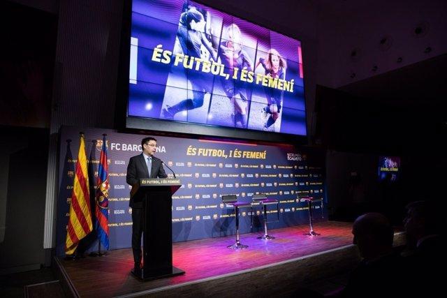 """Bartomeu y el Barça se comprometen a llegar a la """"plena igualdad"""" de género en e"""