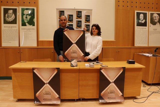 Ayuntamiento De Tomares: Nota De Prensa (La X Feria Del Libro De Tomares Abre La