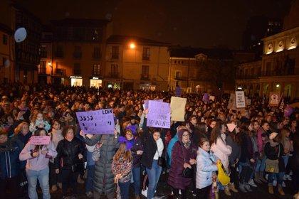 """Decenas de miles de personas claman en CyL por la """"igualdad de la mujer"""" en un día """"histórico"""""""