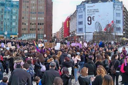 Decenas de miles de mujeres se manifiestan en las capitales vascas por la igualdad
