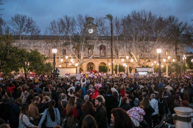 Manifestación por el Día de la Mujer en Sevilla