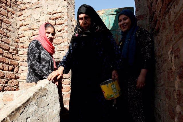 Tres mujeres víctimas de la mutilación genital femenina