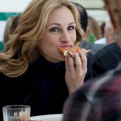 Foto: Comer sin remordimiento es posible consiguiendo reducir tus calorías un 50% (FOTOGRAMA DE JULIA ROBERTS EN COME, REZA, AMA)
