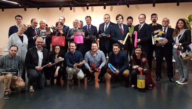 Juan Hernández, visita a los empresarios murcianos en el 'showroom'