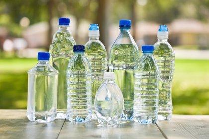 La mitad de los mayores de 65 años no se hidrata adecuadamente