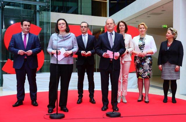 Andrea Nahles presenta a los ministros del SPD en el nuevo Gobierno