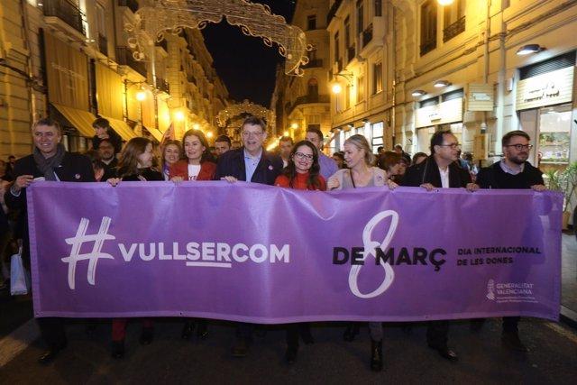 Puig y Oltra en la manifestación del 8M