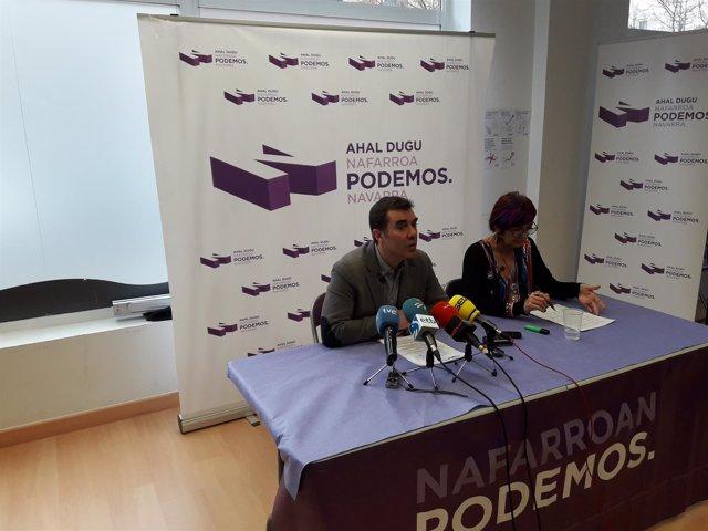 Eduardo Santos y Tere Sáez, de Podemos.