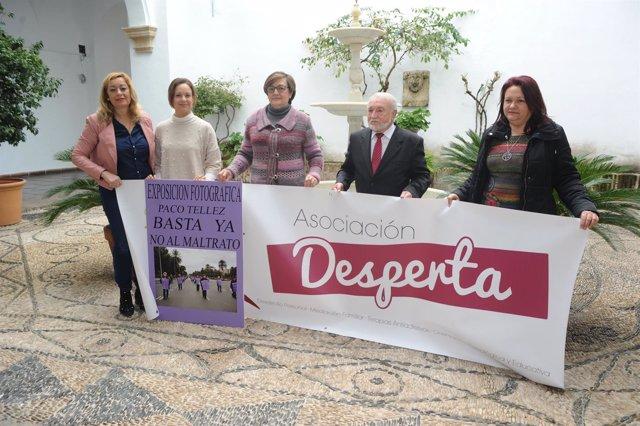 Guijarro (segunda por la dcha.), en la presentación de las actividades