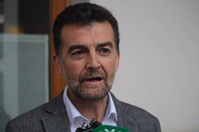 El líder andaluz de IU, Antonio Maíllo, en declaraciones a los periodistas