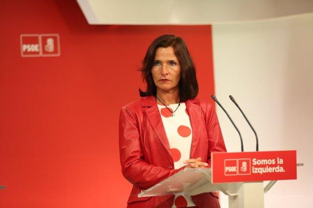 Luz Martínez Seijo en la sede del PSOE