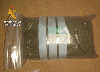 La Guardia Civil detiene a dos personas e interviene 122 gramos de polen de hachís en Alcaraz
