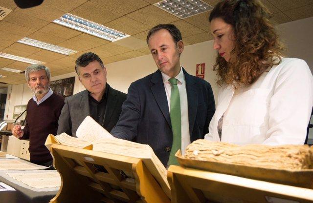 Foto/ Presentación De La Iniciativa 'Restauramos El Papel De Nuestra Historia'