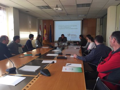 Técnicos de Medio Natural exponen a empresas del sector novedades normativas en materia de comercialización de madera