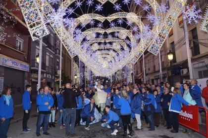 Renfe programa 120 Cercanías especiales para disfrutar de las 'mascletaes' y la iluminación de Fallas