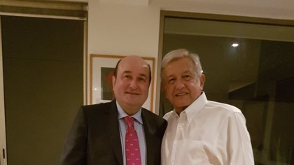 Ortuzar se reúne con Andrés Manuel López Obrador y con Damián Cepeda en México