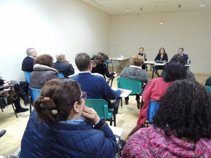 Endesa y trabajadores sociales del Ayuntamiento se coordinan para informar de la aplicación de nuevo bono social