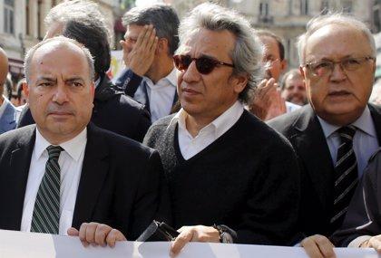 """El Tribunal de Casación de Turquía revoca las condenas a dos periodistas y ordena que sean juzgados por """"espionaje"""""""
