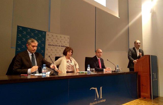 Javier García Vila en un debate en Málaga capital