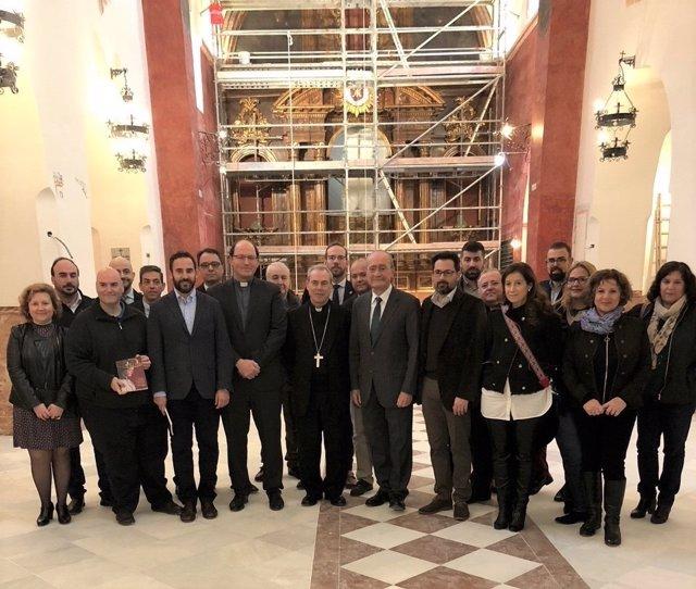 Visita Ayuntamiento y Obispado iglesia Divina Pastora