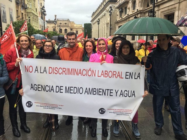 Antonio Maíllo participa en manifestación de trabajadores de Amaya