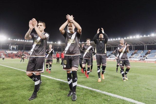 El Rayo Vallecano celebra la victoria en Almería