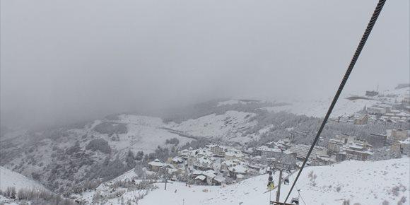 10. Abre la estación de esquí de Sierra Nevada tras permanecer cerrada este sábado por el fuerte viento