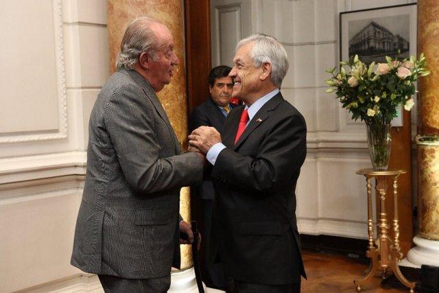 El presidente electo de Chile, Sebastián Piñera,se reune con el Rey Juan Carlos