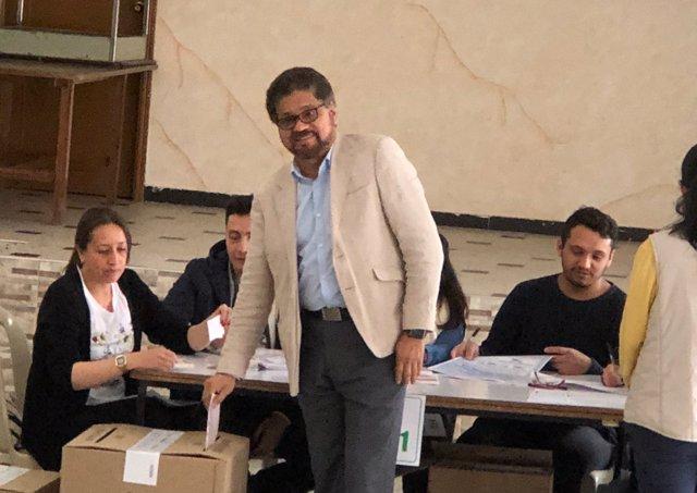 'Iván Márquez' Votando 30 Años Después