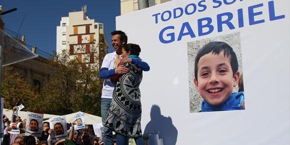 7. Vícar (Almería) decreta tres días de luto por la muerte de Gabriel Cruz y convoca una concentración este lunes
